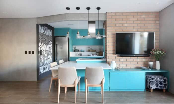 parede de giz na cozinha colorida
