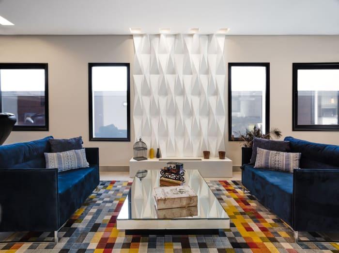 sofá 3 lugares colorido azul