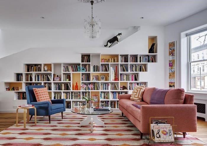 sofá 3 lugares colorido rosa