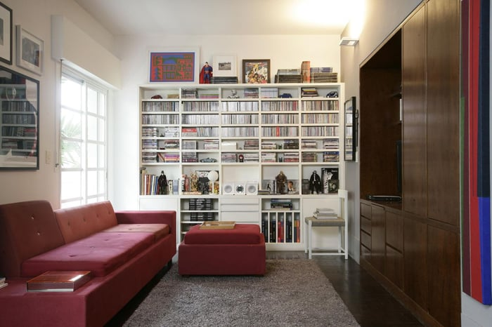 sofá 3 lugares colorido vermelho